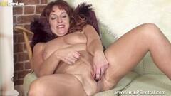 Kinky Mature busty sexpot masturbates dildo in torn pantyhose Thumb