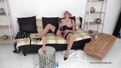 Sexy Lady Sonia Gets Off with Her Vibrator on Live Stream Thumb