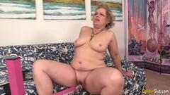 A Machine Makes Grandma Kelly Leigh Orgasm Hard Thumb