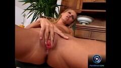 Fit blonde Vega Vixen flaunts her ass Thumb