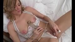 Sexy Honey Bella Vegas Masturbating Thumb