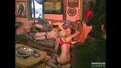 Classic babes fucked in threesome Thumb