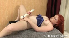 Randy redhead vibes her warm pussy Thumb