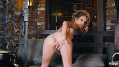 Kimmy Granger loves to make her pussy cum Thumb